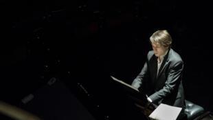 Le pianiste Guillaume Copppola, interprète Brahms et Schubert.