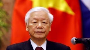 Chủ tịch nước Việt Nam Nguyễn Phú Trọng trong cuộc họp báo ở phủ chủ tịch, Hà Nội, ngày 09/11/2018