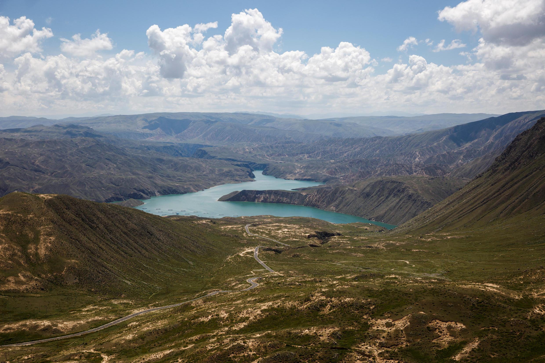 位於青藏高原的龍羊峽水