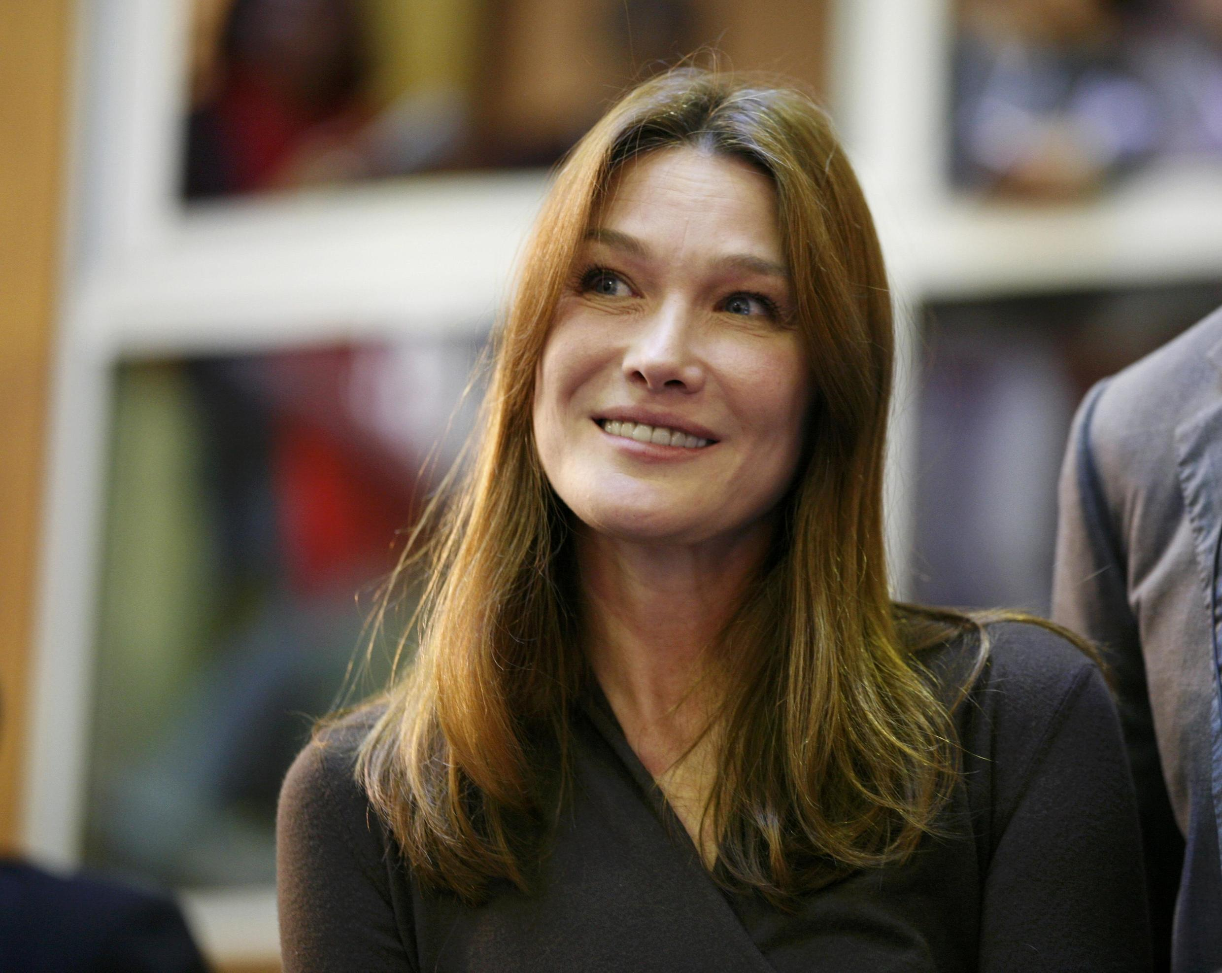 Carla Bruni-Sarkozy wielded the hammer at the charity auction