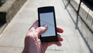 Smartphones may damage children's attention span and memory, the report warns