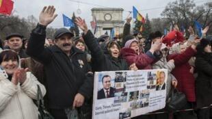 В воскресенье, 29 ноября, платформа «Достоинство и правда» провела очередную акцию протеста, Кишинев, 29 ноября 2015.