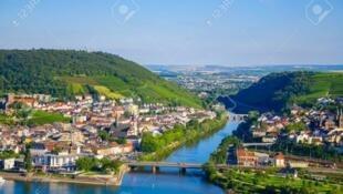 德国莱法州与福建省续签伙伴关系