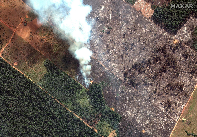 Imagem de satélite mostra incêndios na floresta amazônica no Estado de Rondônia, no sudoeste de Porto Velho, em 15 de agosto de 2019.