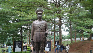 La statue de Charles Atangana, officier indigène camerounais dans l'armée allemande