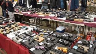 نمایشگاه اسلحه در آمریکا