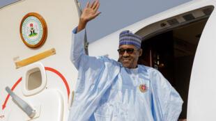 Shugaban Najeriya Muhammadu Buhari, a filin sauka da tashin jiragen sama na Nnamdi Azikiwe da ke Abuja