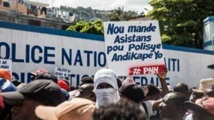 Des policiers ont manifesté à Port-au-Prince dimanche 27 octobre pour demander plus de préoccupation à leur égard de la part de l'État.