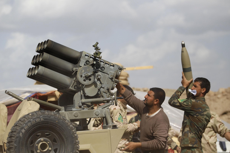 Армия Ирака при поддержке добровольцев-шиитов ведет наступление на Тикрит в провинции Салахуддин 02/03/2015