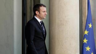Emmanuel Macron aelekea Mali kukutana na kikosi cha Barkhane.