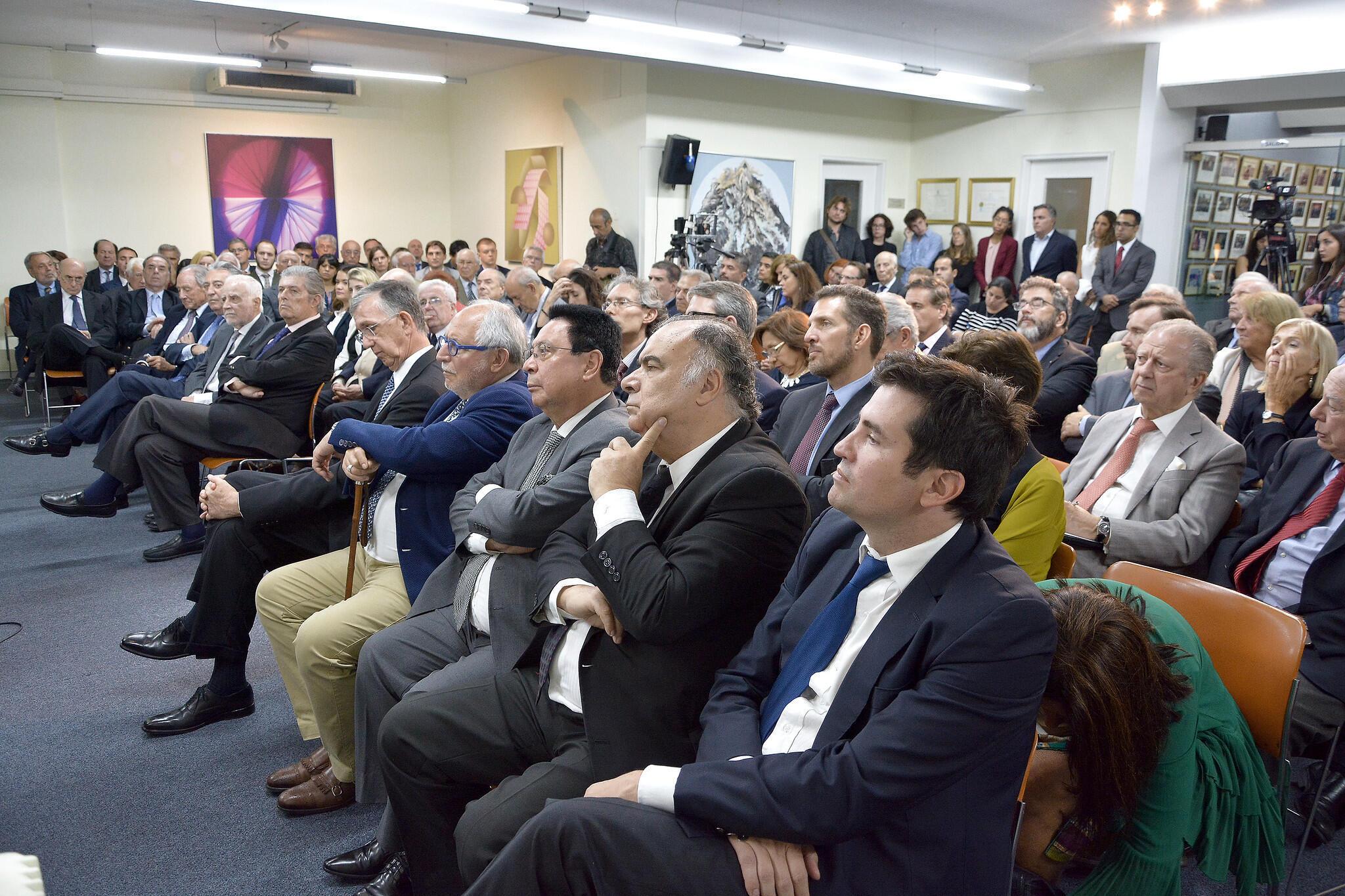 Plateia de diplomatas e acadêmicos que esteve no Conselho Argentino para as Relações Internacionais (Cari) para ouvir o chanceler brasileiro, Ernesto Araújo.