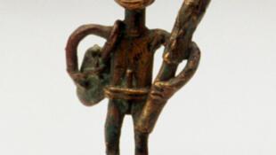 Guerrier Ashanti de la collection Dorling Kindersley.