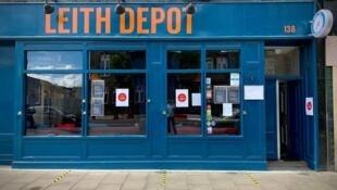 La façade du pub Leith Depot, à Édimbourg, en Ecosse.