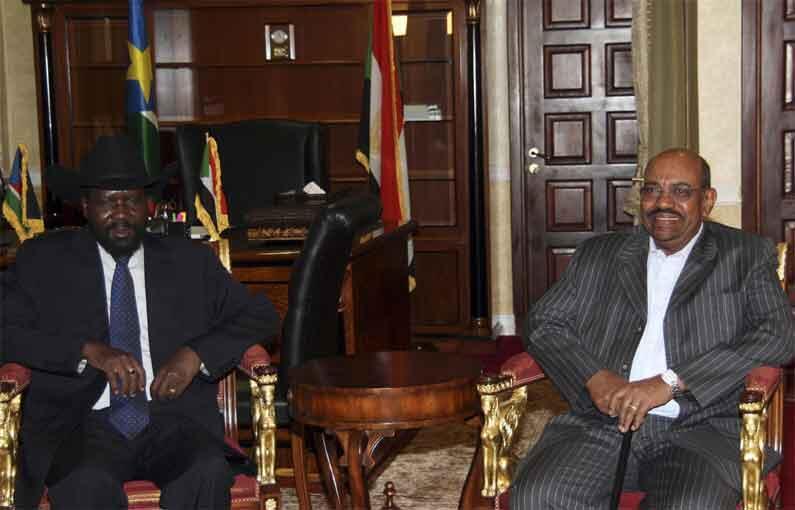 Sudan's President Omar al-Bashir (R) and President of the Government of Southern Sudan Salva Kiir Mayardit earlier this month
