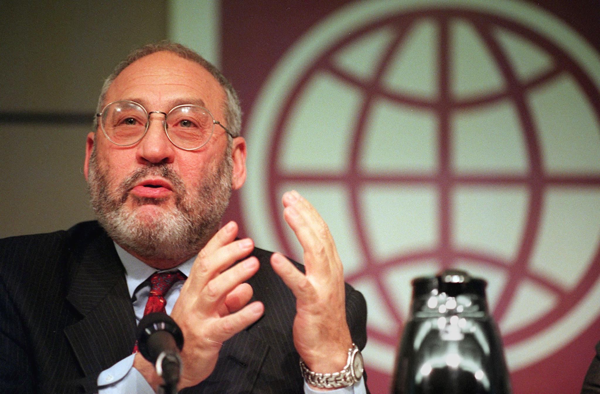 Giải Nobel kinh tế người Mỹ Joseph Stiglitz.