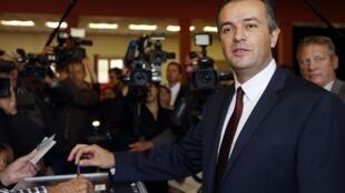 O candidato da Frente Nacional  Laurent Lopez venceu a eleição local em Brignoles, sul da França.