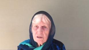 Sur la vidéo adressée à son mari et aux ravisseurs, Jocelyn Eliott rappelle le grand âge de son époux actuellement détenu depuis quatre ans.
