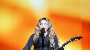 Madonna 000_6D5AD