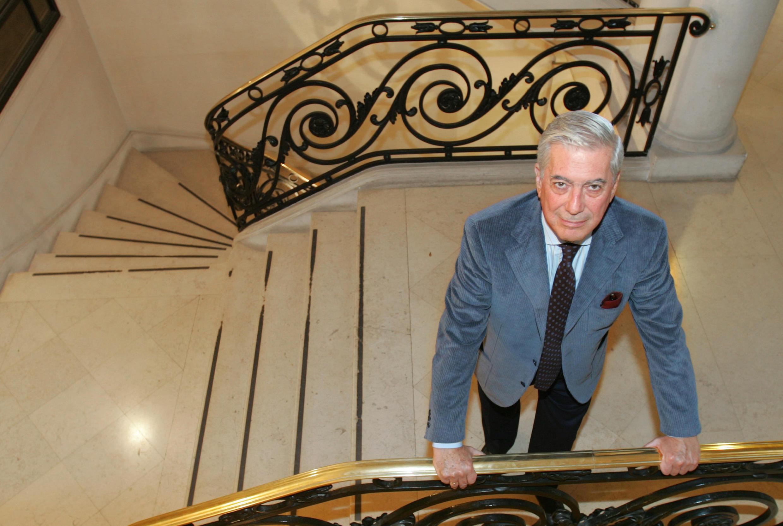 ماریو بارگاس یوسا، اکتبر ۲۰۰۵ در  پاریس