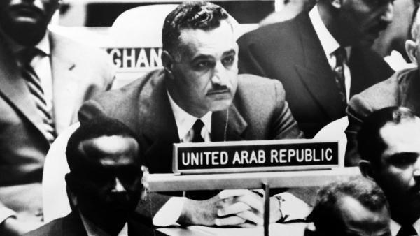 Photo prise le 2 octobre 1960 à New York montrant le président de la République arabe unie Gamal Abdel Nasser (C) lors d'une session de l'Assemblée générale des Nations Unies.