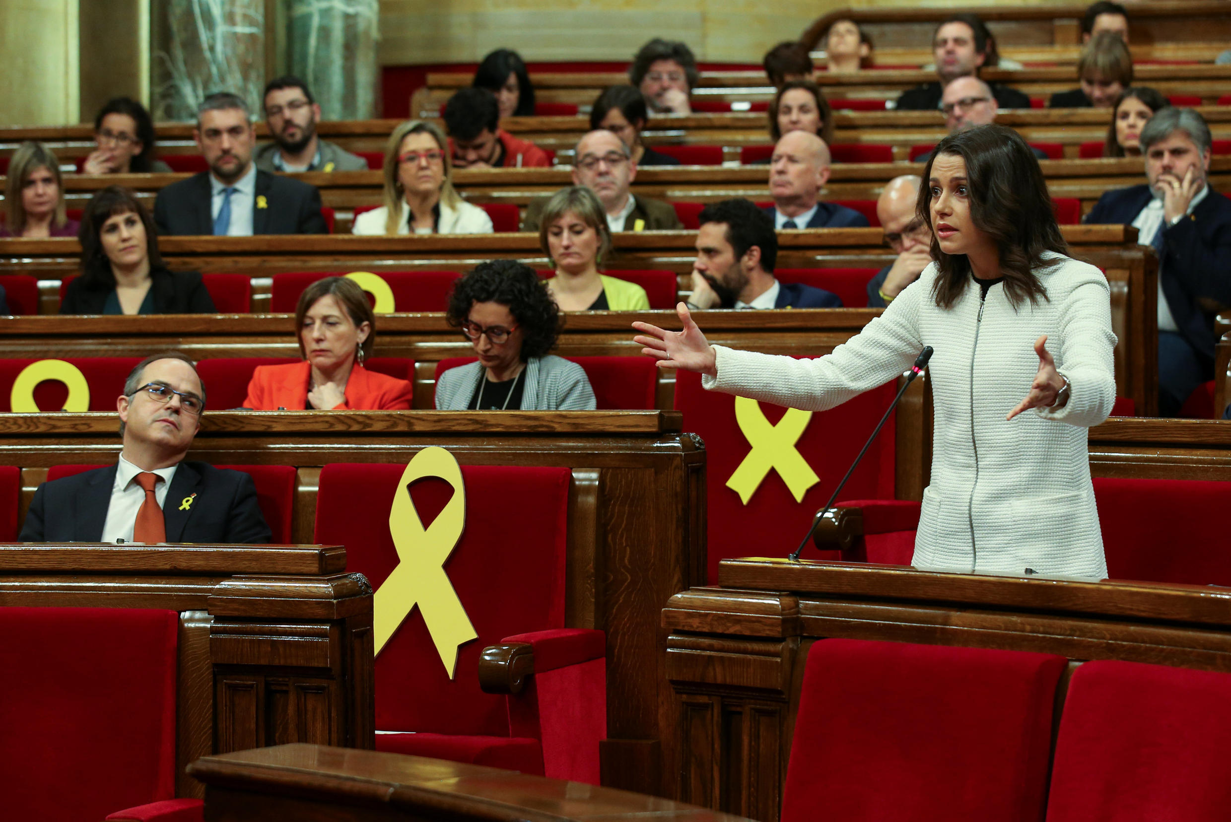 Newly-elected lawmakers meet on 18 January 2018 in the first session of Catalonia's parliament since pro-independence parties won a majority in December elections.