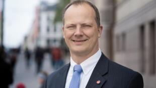 O ministro norueguês dos Transportes, Ketil Solvik-Olsen, anunciou que renuncia ao cargo para priorizar carreira da esposa.