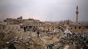 Mabaki ya hoteli Carlton katika mji wa Aleppo, katika eneo linalodhibitiwa na serikali ya Syria.