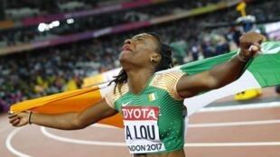 L'Ivoirienne Marie-Josée Ta Lou après sa deuxième place en finale du 100 mètres des Championnats du monde d'athlétisme 2017.
