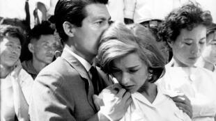 """امانوئل ریوا، هنرپیشه فرانسوی در صحنهای از فیلم """"هیروشیما، عشق من"""""""