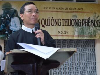 Linh mục Antôn Lê Ngọc Thanh, phụ trách Truyền Thông Chúa Cứu Thế.