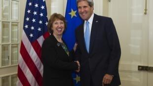 Госсекретарь США Джон Керри и глава европейской дипломатии баронесса Кэтрин Эштон в Нью-Йорке 22/09/2013