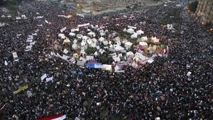 埃及民众大规模示威抗议总统违宪扩权