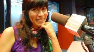 La cantante peruana Miryam Quiñones en nuestros estudios.