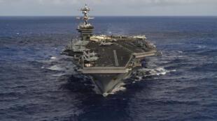 图为美国核动力航母卡尔文森号