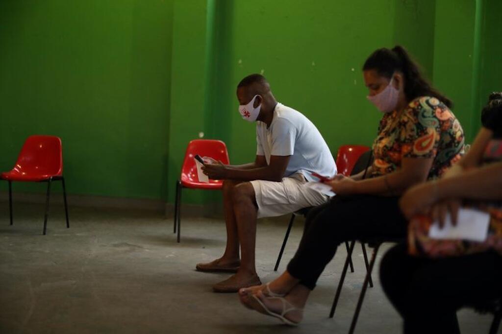 Brazil ni taifa la tatu duniani ambalo lina maambukizi mengi ya virusi vya Corona baada ya Marekani na india, hali ambayo inajiri baada ya rais Jair Bolsonaro kukashifiwa kwa kukosa kutilia maanani vita dhidi ya Corona.