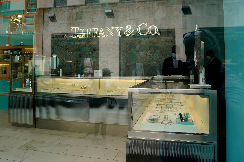 Après de nombreux rebondissements, le mariage LVMH-Tiffany a donc été conclu, les deux parties ayant trouvé un accord sur le montant du rachat du joaillier américain.
