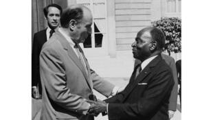 Le président François Mitterrand et son homologue ivoirien Félix Houphouët Boigny, à l'Elysée, à Paris en juillet 1981.