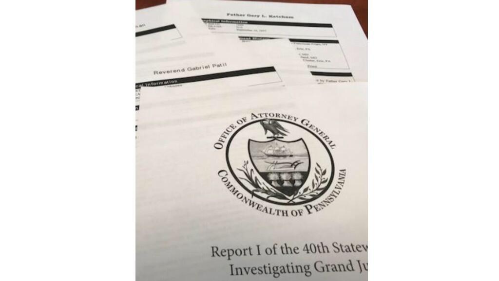 Rapport du grand jury de Pennsylvanie, les agents du FBI décrivent la stratégie mise en place par l'Eglise pendant des décennies pour éviter d'avoir à rendre des comptes devant la justice.