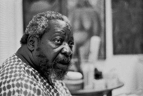 Pintor moçambicano Malangatana, 2003