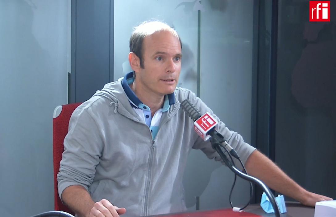 Xavier Renou, co-responsable et animateur des «gilets jaunes» à Beaumont-sur-Oise dans les studios de RFI, le 14/09/2020.