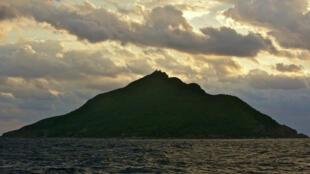 釣魚島遠眺