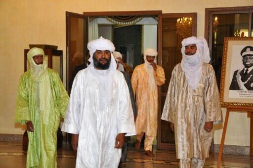 Iyad Ag Ghaly (ici à la tête de la délégation d'Ansar Dine) à Ouagadougou, le 18 juin 2012.