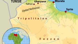 Rebeldes líbios lançam ofensiva no oeste do país, na região de Gharyane.