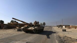 Un tank de l'armée irakienne photographié à al-Alam, le 10 mars 2015.