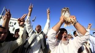 A população de Tripoli continua a festejar a vitória dos rebeldes, e a nova liberdade.