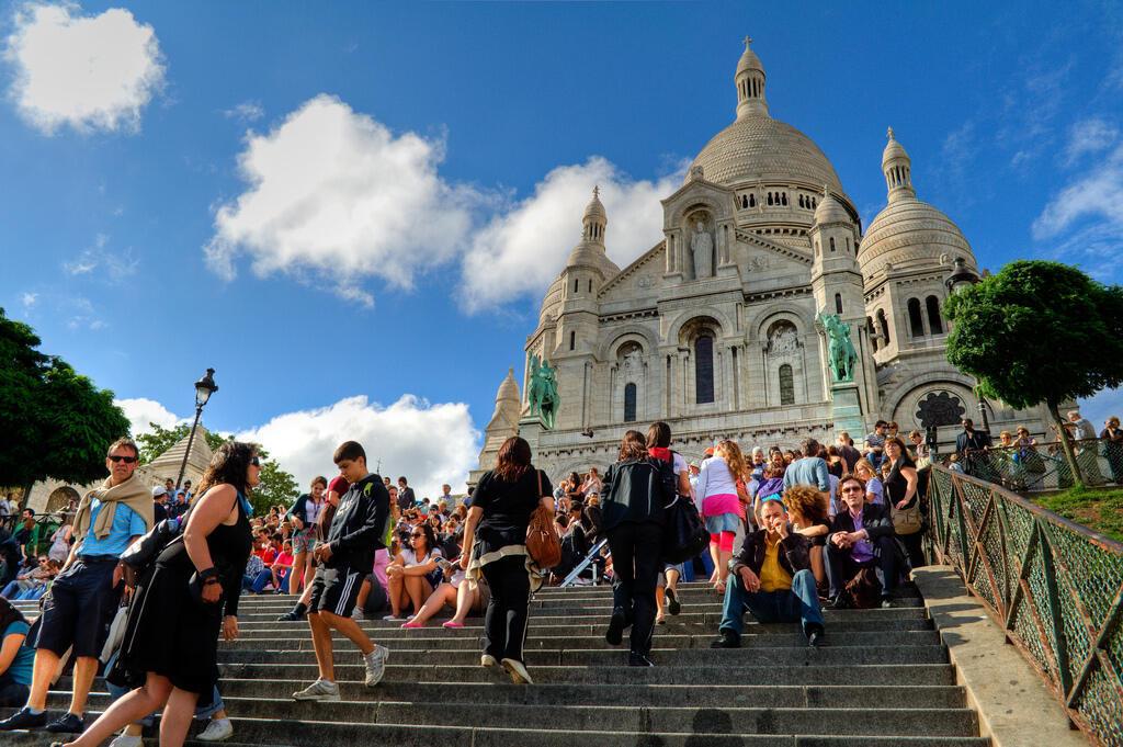 En la primera mitad del 2018, unos 17 millones de turistas visitaron la capital francesa.