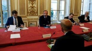 Le Premier ministre, Edouard Philippe, a réuni les chefs de partis politiques à Matignon, le 20 mai 2020.