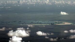 Le récif Mischief, revendiqué par les Philippines mais contrôlé et poldérisé par la Chine.