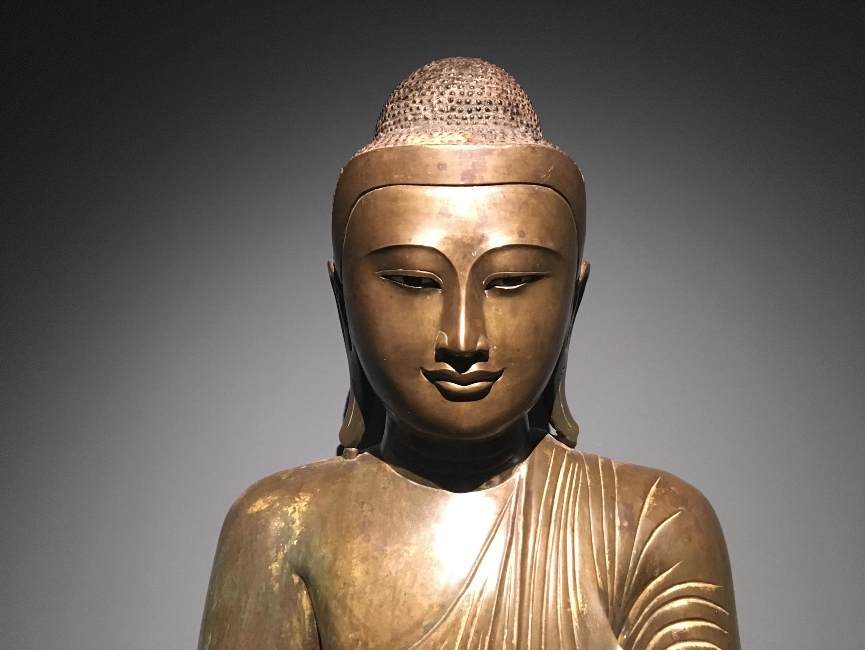 Mostra no Museu Guimet destaca a representação de Buda através dos tempos.