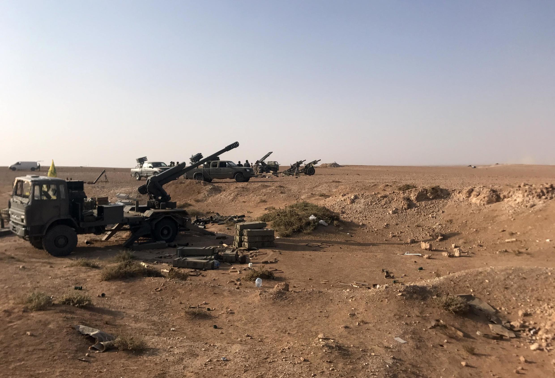Артиллерийские установки недалеко от Абу-Камаля.